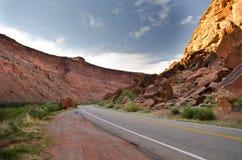 沙漠路 库存照片