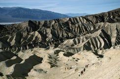 沙漠远足者 库存图片