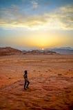 沙漠迪拜沙丘日落 库存照片