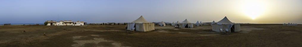 沙漠阵营全景 免版税图库摄影