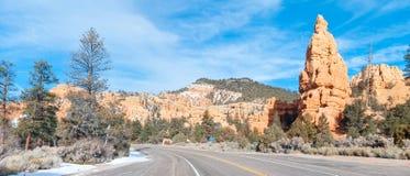 沙漠风景高速公路 免版税库存照片