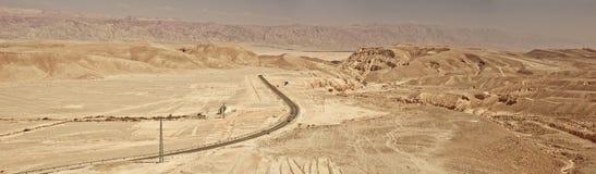 沙漠高速公路全景照片 免版税库存图片