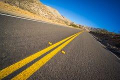 沙漠高速公路掀动 免版税库存照片