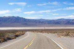 沙漠高速公路横向运输路线二 库存图片