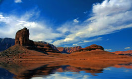 沙漠水 向量例证