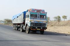 沙漠Barmer拉贾斯坦印地安人卡车 免版税图库摄影