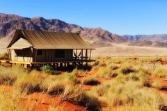沙漠namib纳米比亚徒步旅行队帐篷 免版税库存图片