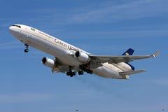沙特货物MD-11离开 免版税库存图片