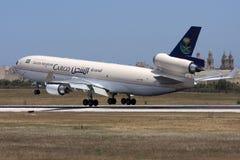 沙特货物MD-11着陆 免版税库存照片
