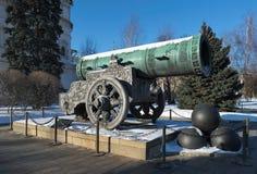 沙皇大炮,对中世纪俄国火炮,塑象的一座纪念碑 图库摄影