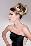 沙龙方式头发设计 免版税库存照片