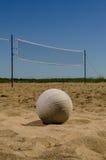 沙滩排球法院在夏日 免版税库存照片
