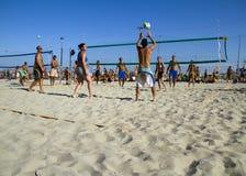 沙滩排球 免版税库存照片