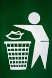 没有乱丢的标志的trashcan 免版税图库摄影