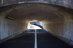 没有交通工具的隧道 免版税库存图片