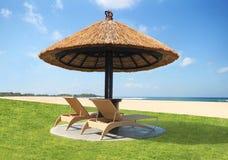 没有人的美丽的海滩 免版税库存图片