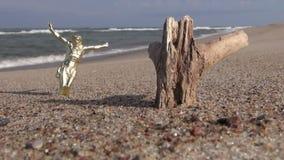 没有十字架和注册的被迫害的耶稣基督海滩 影视素材