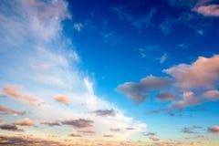 没有土地的美好的云彩背景 库存图片