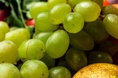 没有坑特写镜头宏指令照片的绿色葡萄 免版税图库摄影