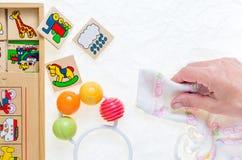 没有拷贝的普通木玩具纠正,代表动物 库存图片