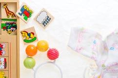 没有拷贝的普通木玩具纠正,代表动物 库存照片
