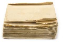 没有盖子的老葡萄酒书在白色 库存照片