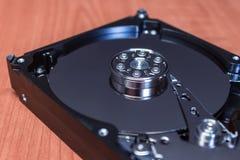 没有盖子的计算机硬盘 内部机制 库存图片