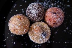 没有糖的甜点用干果子,洒与椰子切削 库存图片
