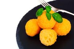 没有肉的食物:土豆油炸圈饼 库存照片