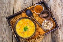 没有肉,素食食物是:汤用鸡豆 免版税库存照片