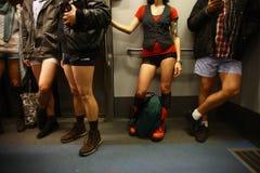 没有裤子地铁乘驾在布加勒斯特,罗马尼亚 免版税库存图片
