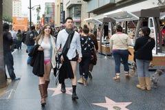 没有裤子的夫妇在的好莱坞 免版税库存照片
