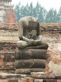 没有顶头雕象, WAT玛哈的菩萨寺庙,阿尤特拉利夫雷斯,泰国 免版税库存图片