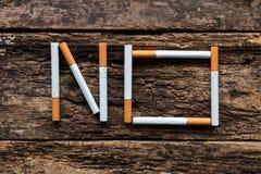 没有香烟的词 免版税库存照片
