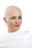 没有头发的美丽的中年妇女癌症患者 免版税图库摄影