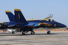 没有1个天使蓝色的喷气式飞机的海军& 库存照片