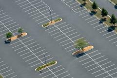 沥青停车场鸟瞰图  免版税库存图片