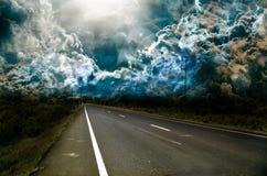 沥青被弄脏的黑暗的路 库存图片