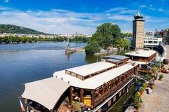 河伏尔塔瓦河布拉格捷克 免版税库存照片