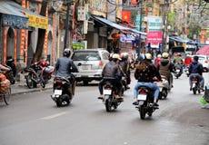 河内,越南行军01 :在老处所的繁忙的交通2015年在河内 免版税图库摄影
