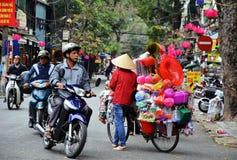 河内,越南行军01 :在老处所的繁忙的交通2015年在河内 库存图片