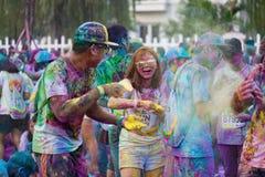 河内,越南- 2015年9月23日:公开颜色在河内首都跑事件 数百人参加了名为Color的快乐的比赛 免版税库存图片