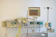 河内,越南- 2015年9月19日:在医院诞生bedhead的医疗设备在Minh Khai stre的Vinmec国际医院供住宿 免版税库存图片