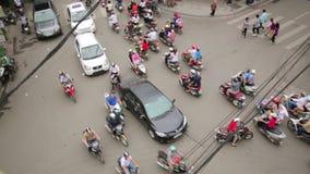 河内,越南- 2014年5月:疯狂的摩托车交通 影视素材