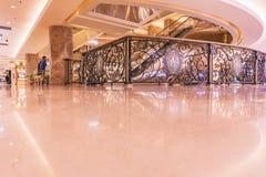 河内,越南- 2017年3月08日 豪华商城Trang连队广场的内部 库存图片
