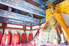 河北,中国- 2015年10月13日:在三义庙的Liubei雕象 一fam 库存图片