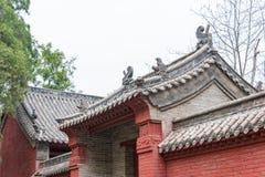 河南,中国- 2015年11月04日:在会善寺(联合国科教文组织世界的屋顶 库存图片