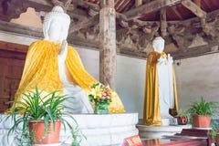 河南,中国- 2015年11月04日:在会善寺(UNES的Budda雕象 库存照片
