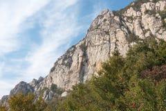 河南,中国- 2015年11月03日:Mt 松山风景区 著名喂 库存照片