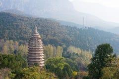 河南,中国- 2015年11月03日:Songyue塔(联合国科教文组织世界Heritag 免版税库存照片